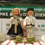 Krojované bábiky v stánku MAS